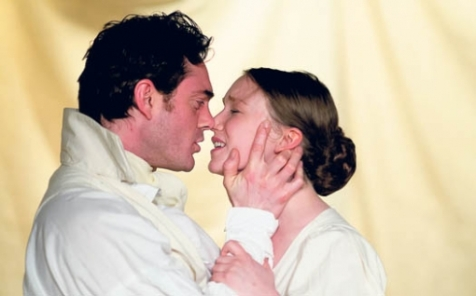 07-rob-pomfret-and-hannah-maddison-as-mr-rochester-and-jane-eyre-photo-credit-bill-knight