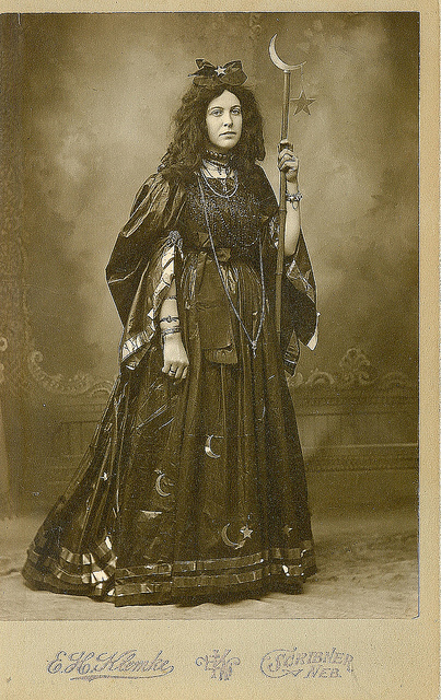 victorian-witch-2