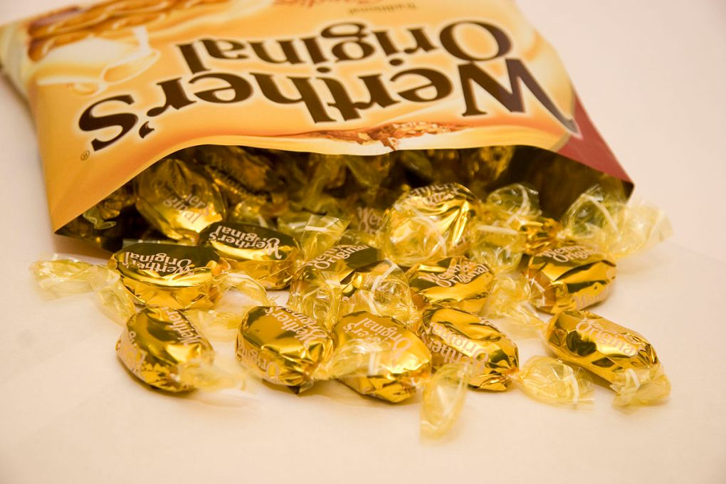 1200px-An_Open_Bag_of_Werther's_Original